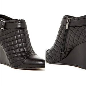 Vince camuto loore quilted wedge booties